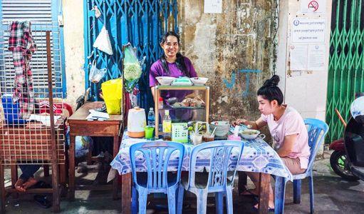 10-11-Street-Food-Stall-(2)