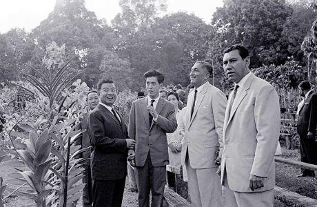 17121962---Visit-of-Prince-Norodom-Sihanouk-to-the-Botanic-Gardens-accompanied-by-Yang-di-Pertuan-Negara-Yusof-bin-Ishak-and-Puan-Noor-Aishah
