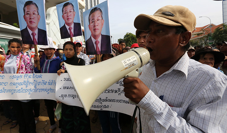 Cambodian leader issues ASEAN threat