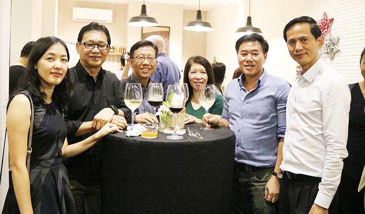 Joint Networking Night Between Singapore Club Cambodia & BritCham Cambodia @ MÛ Gourmet