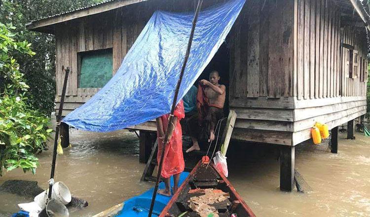 Poll officials plan for flood disruption